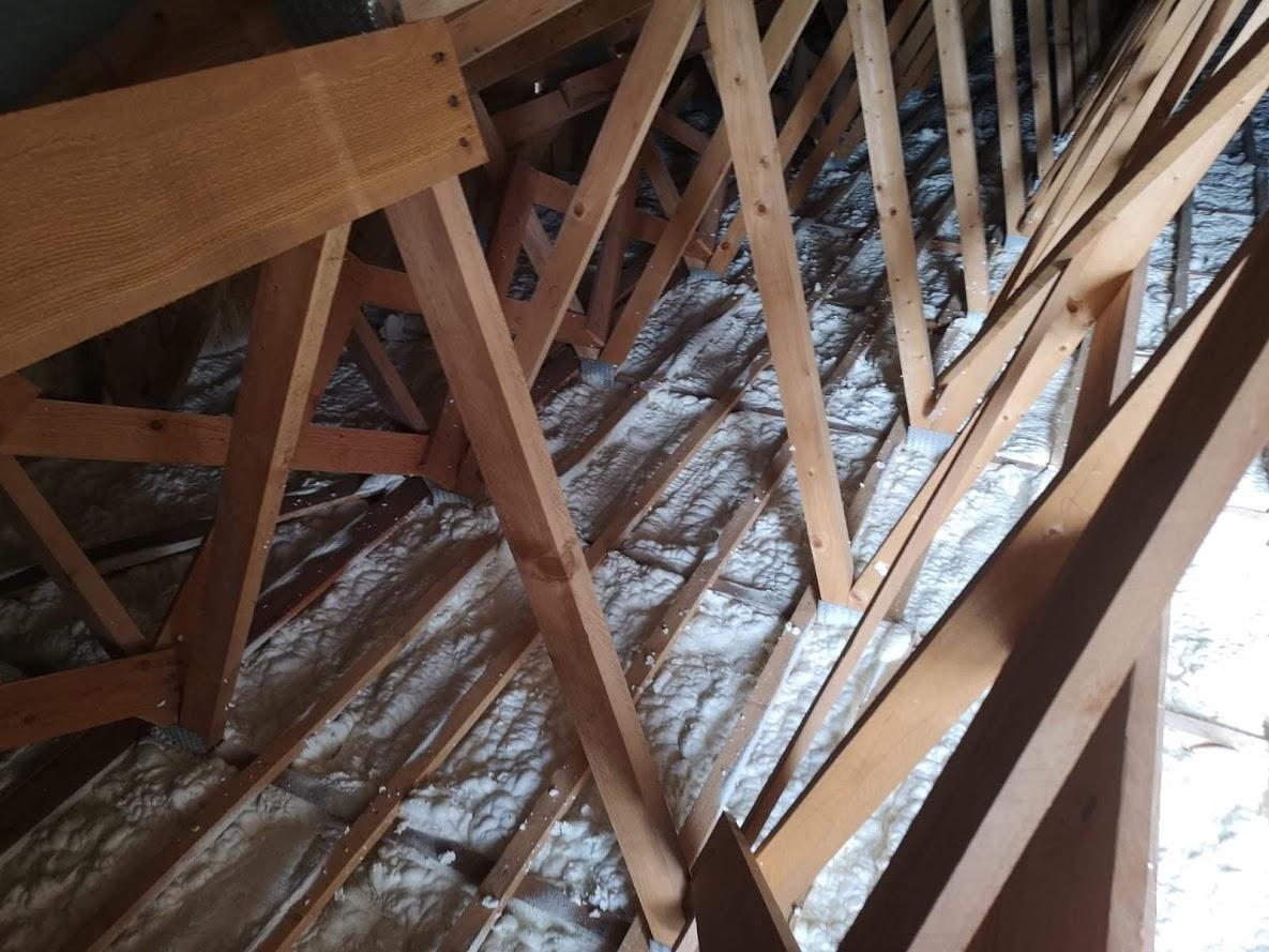 Zateplení vazníkové střechy