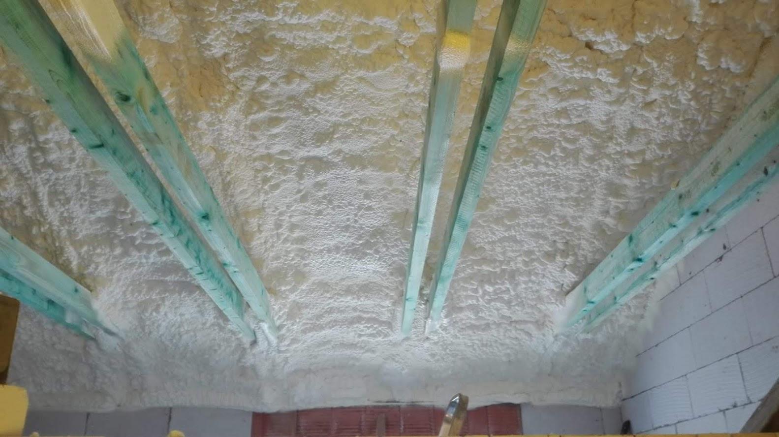 Izolace střechy pěnou PUR