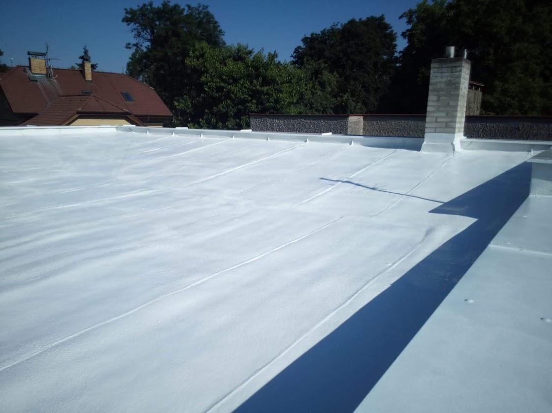 Silikonový nátěr - izolace ploché střechy RD