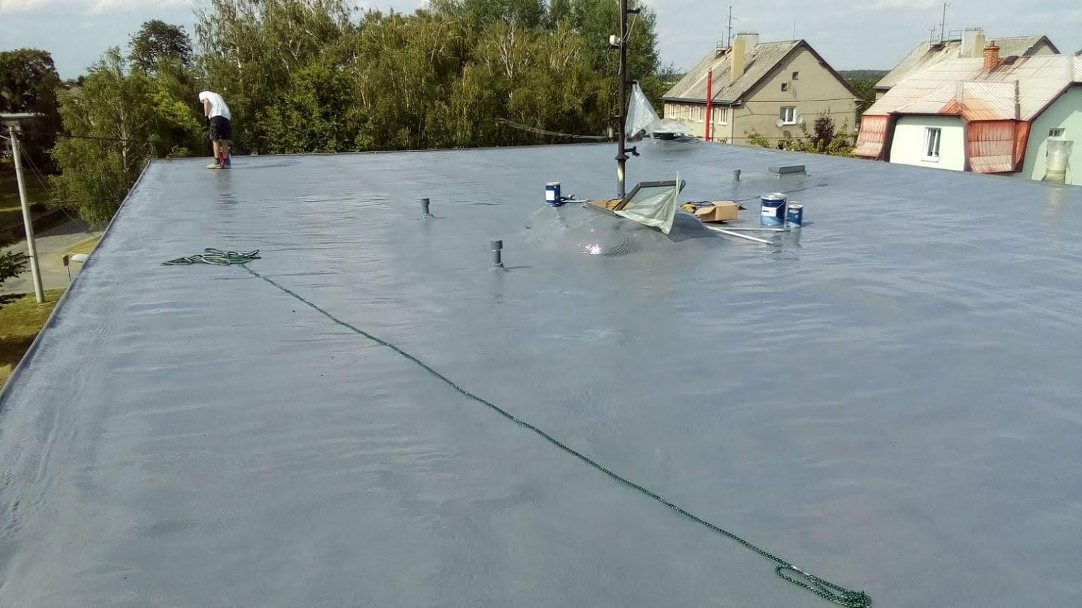 Plochá střecha, nástřik PUR pěny, Polyurea