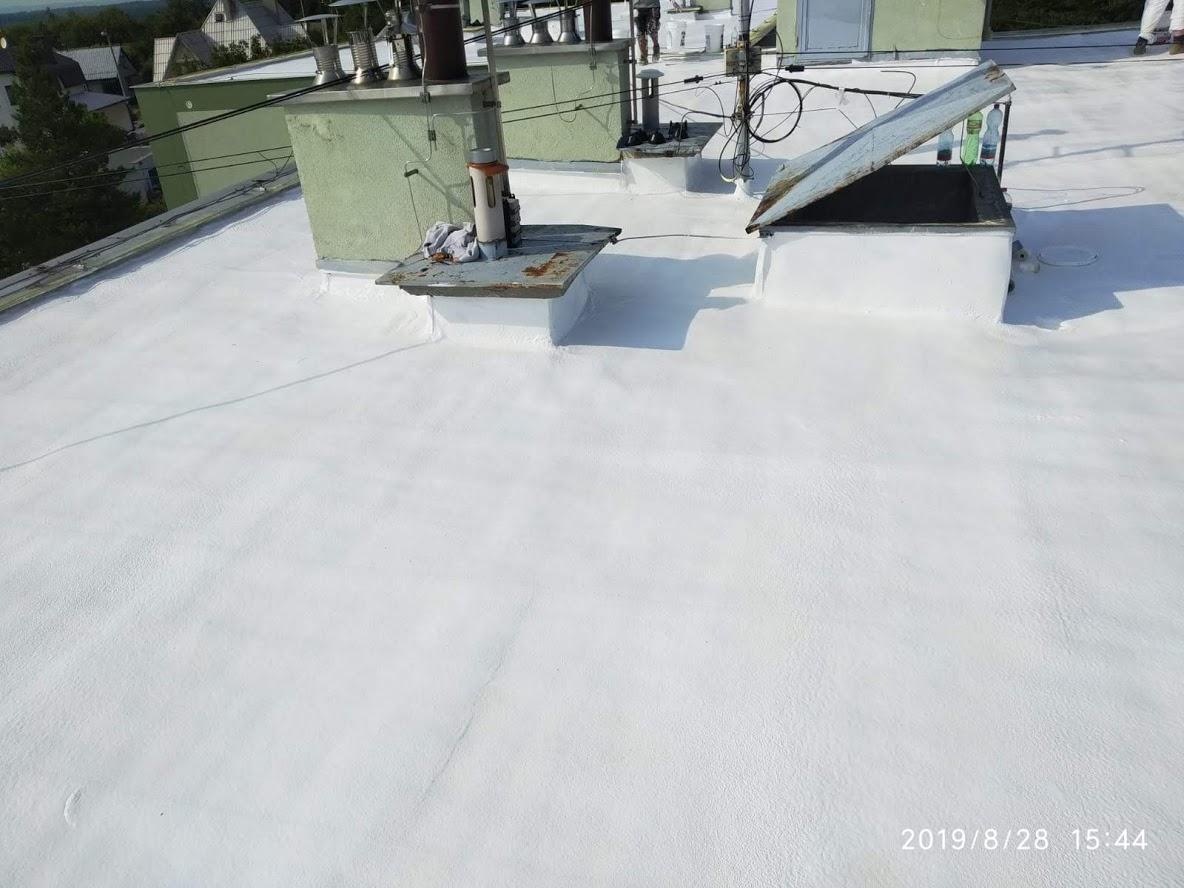 Oprava ploché střechy na bytovém domě